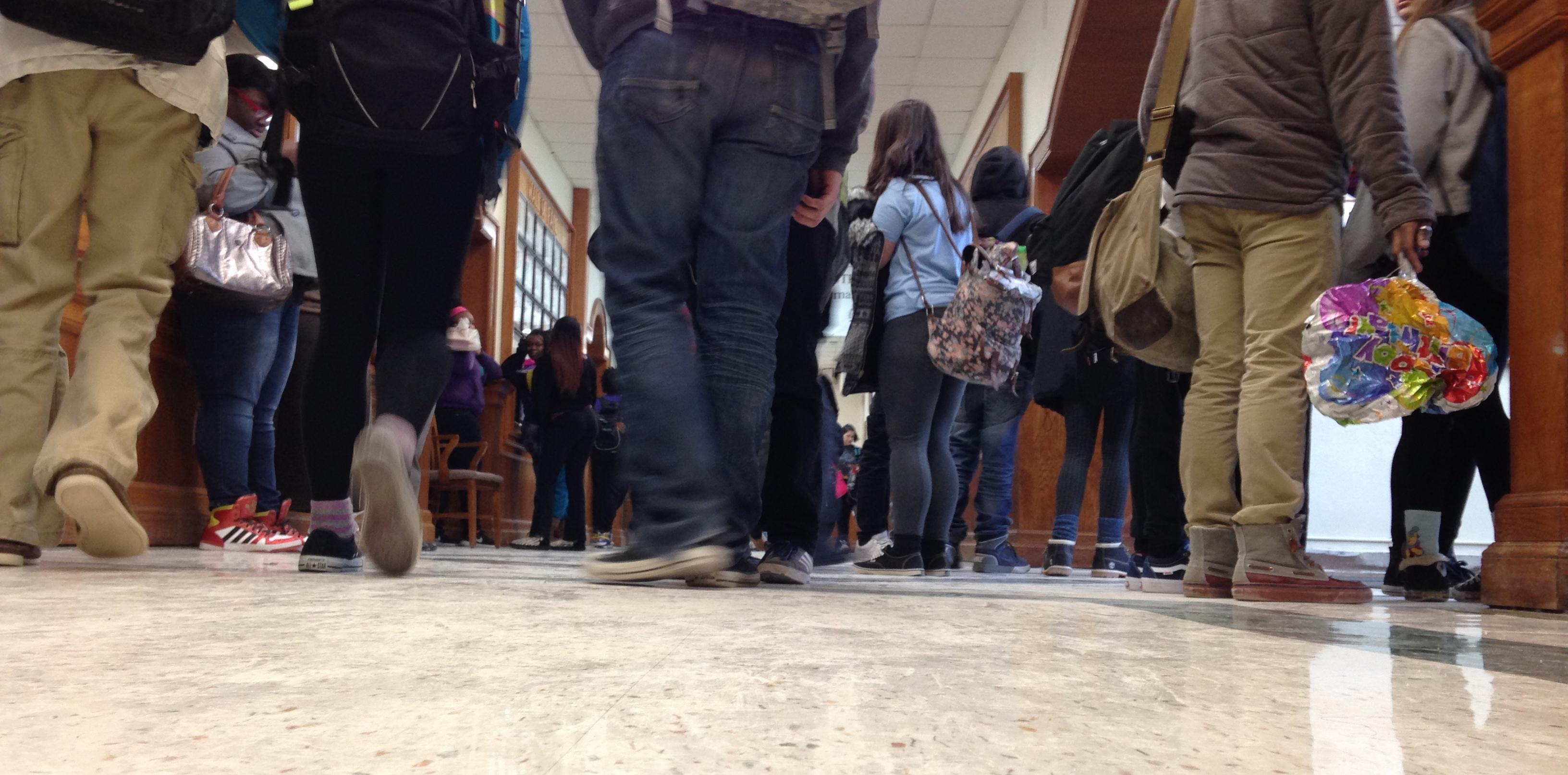 Crowded halls clog schools – Echo Newspaper